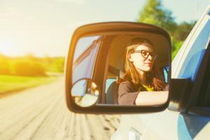 Multa por conducir sin lentes ópticos