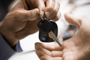 Instrucciones fáciles para transferir tu auto
