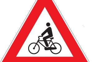 ¿Pueden convivir peatones, ciclistas y autos en Santiago?