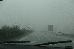 Consejos para manejar con lluvia
