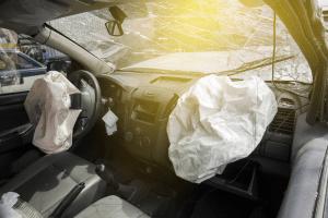 Airbag, obligatorio a partir de 2017 en los asientos frontales para todos los vehículos